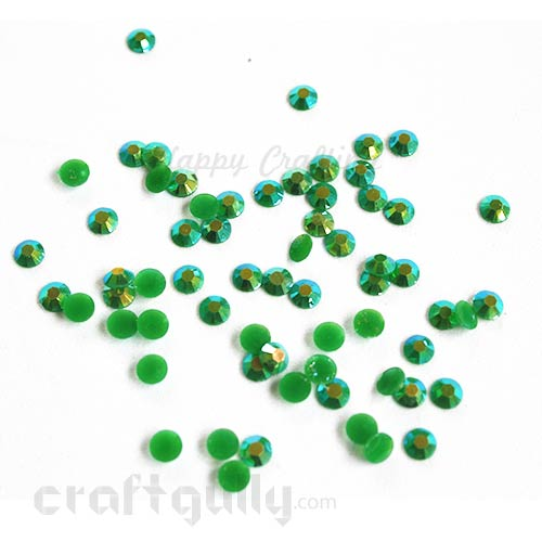 Rhinestones 5mm - Resin - Bottle Green With Lustre - Pack of 100