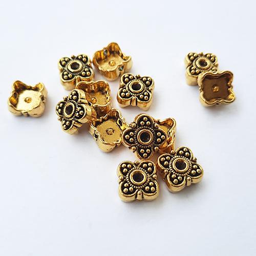Metal Beads 9mm - Design #18 - Golden Finish - 12 Beads